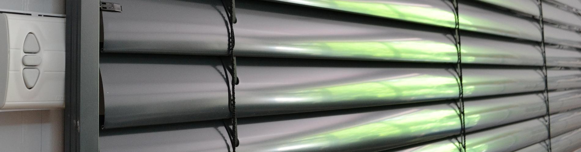 Наружные рулонные шторы у нас в салоне